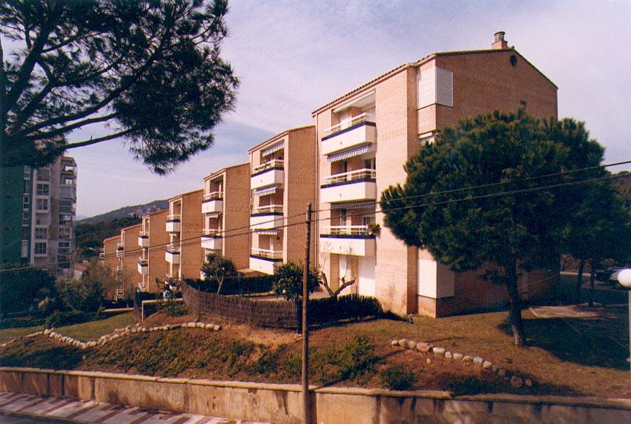 28 apartamentos en Platja d'Aro, Gerona (1987)