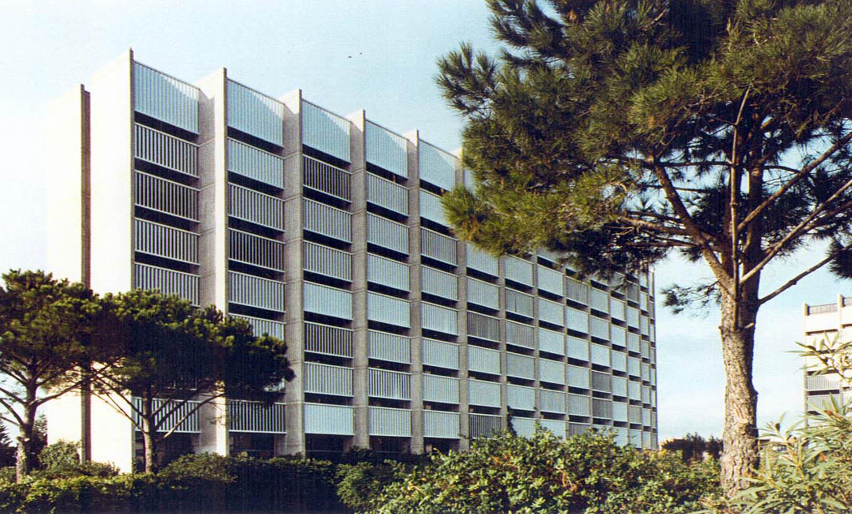 Sede Consorcio Zona Franca, Barcelona (1975), en colaboración con Francesc Mitjans y BBCC