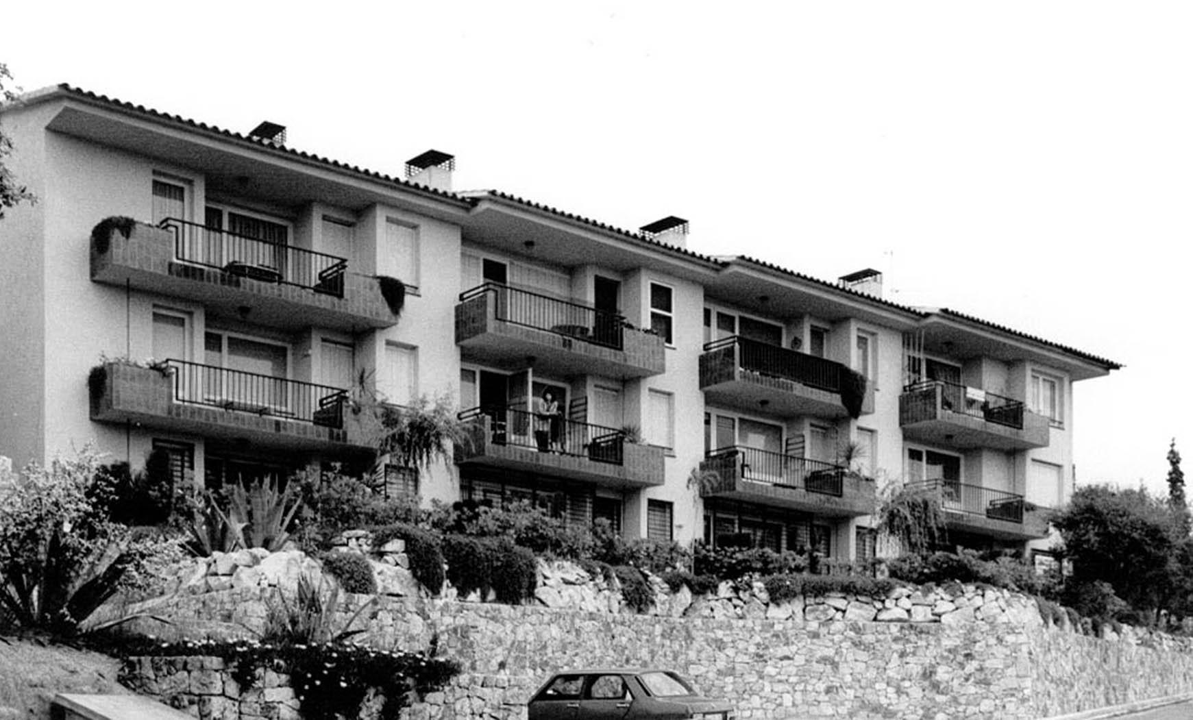 16 apartamentos en Tossa de Mar (1984), en colaboración con Francesc Mitjans