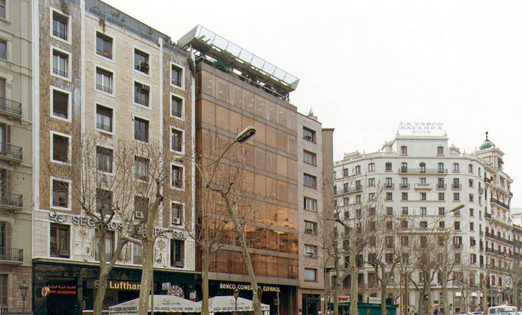 Banco Comercial Español en Pº de Gracia, Barcelona (1974), en colaboración con Francesc Mitjans