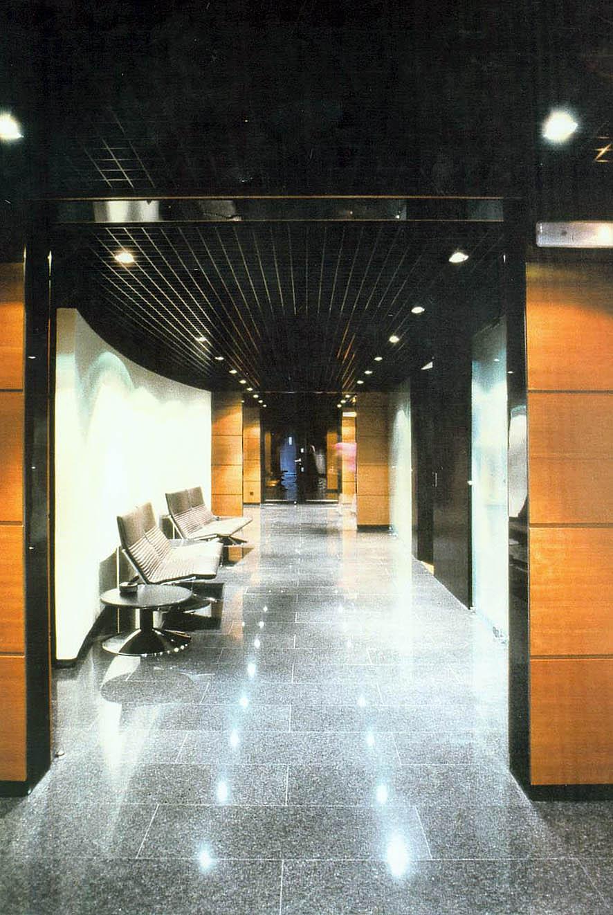 Reforma para despachos Dirección La Caixa en Andorra (1992), en colaboración con EGC y ABS
