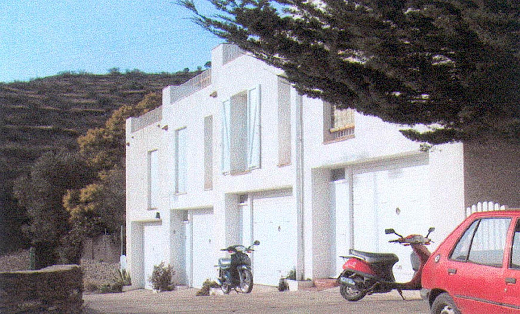 Conjunto de 4 viviendas en hilera en Cadaqués (1986)